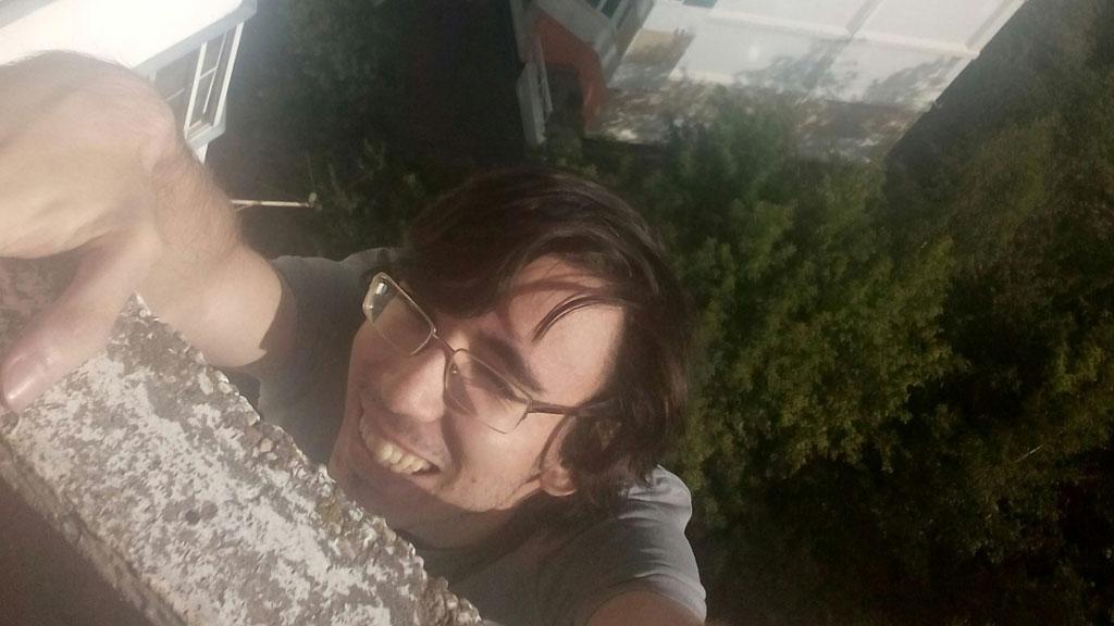 Печальная новость: трагически умер молодой талантливый гройсмейстер, выпав из окна. Родные парня в шоке