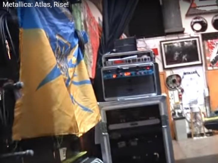 В новом клипе Metallica «засветился» украинский флаг