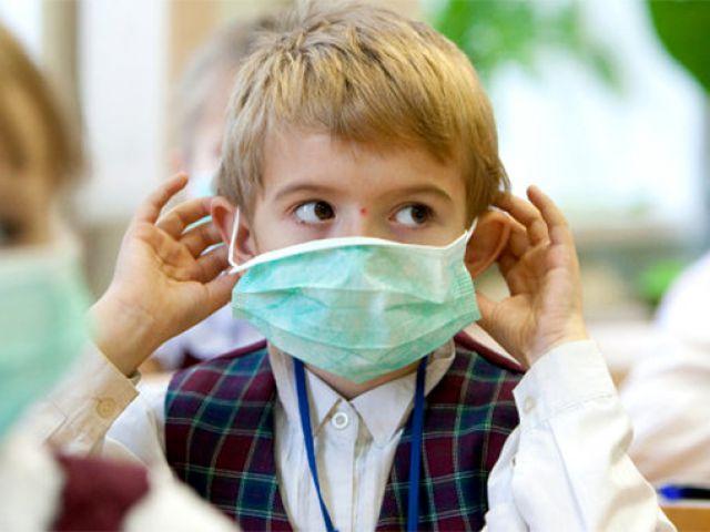 Школьники останутся дома: в одной из областей Украины из-за массовых случаев заболевания объявили карантин