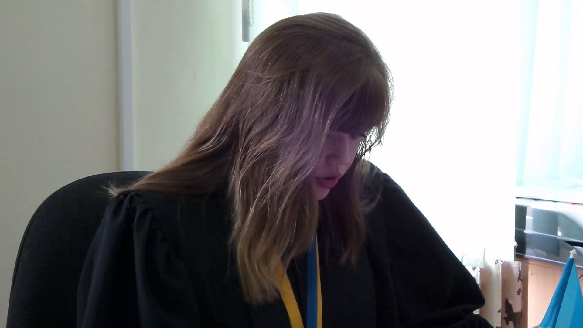 Скромные украинские судьи: вот как сейчас живут молоденькие судьи