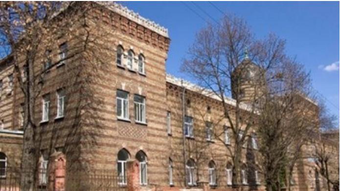 За подозрение в причастности к смерти ребенка врачу запретили покидать Львов
