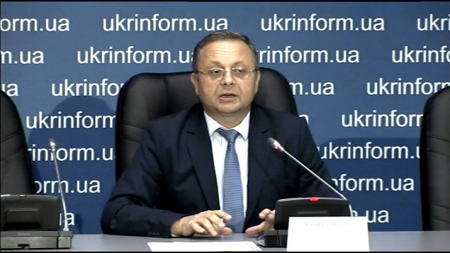 Директор департамента соцполитики КГГА Юрий Крикунов имеет наличкой 87 тыс. долларов, но не помнит размер зарплаты