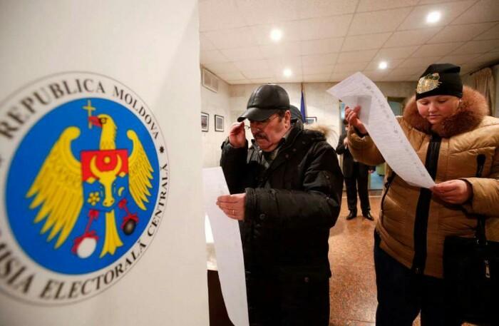 Выборы в Молдове: в Москве избирателей свозят на участки автобусами