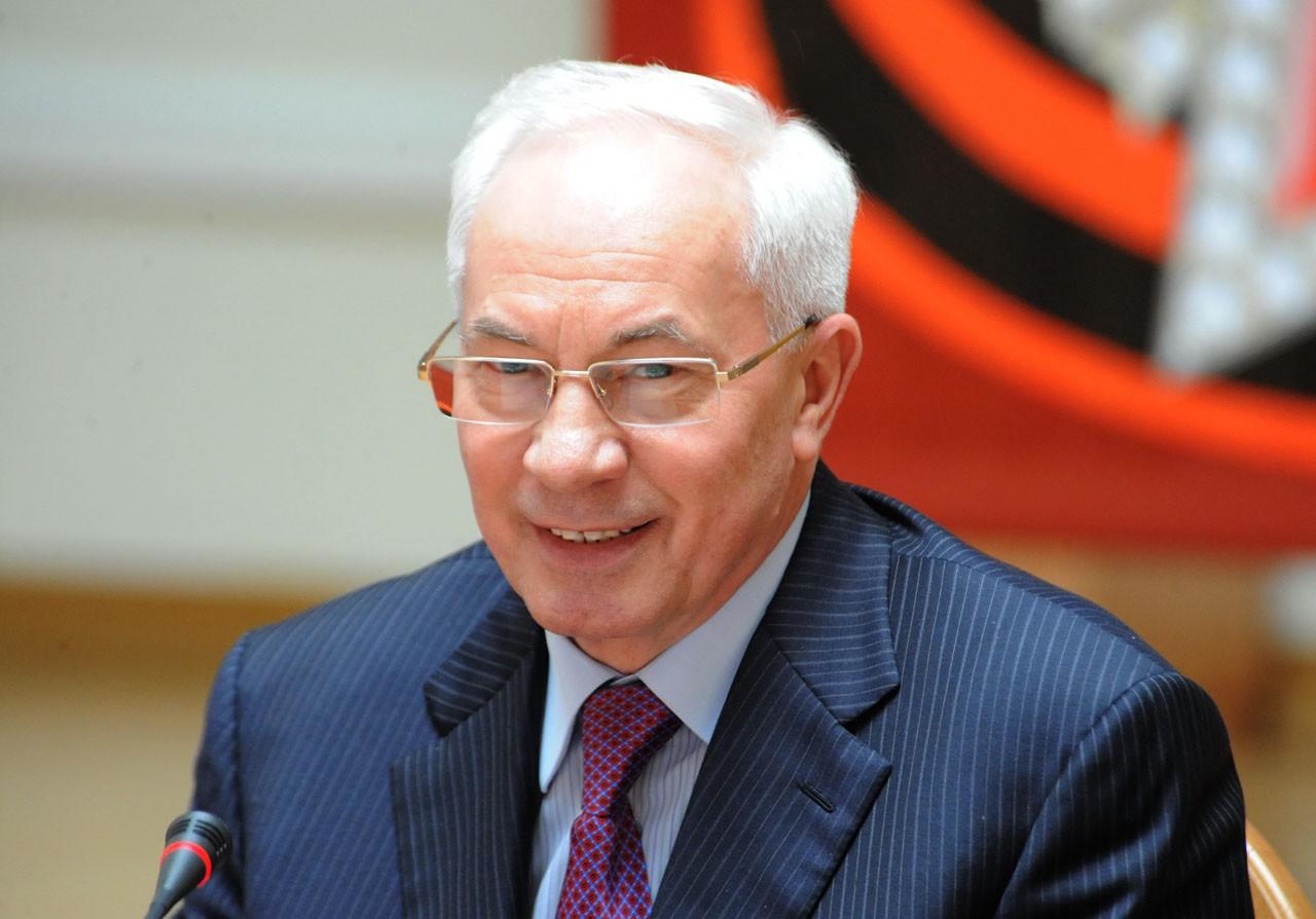 Азаров проиграл третий суд о клевете против СБУ