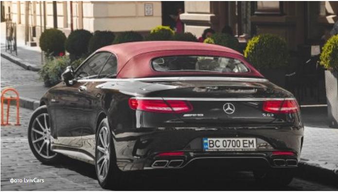 Вот так: Дубневичи заплатили более ₴8 млн за два автомобиля люкс-класса (фото)