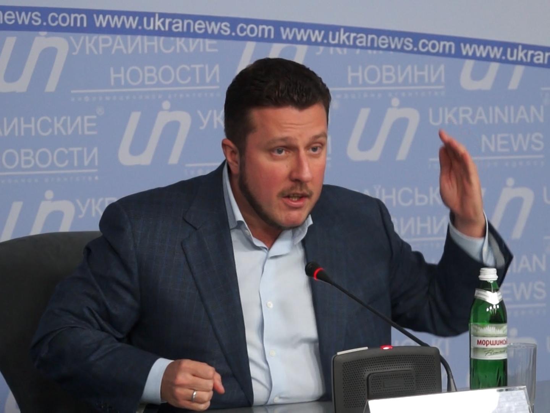 Нечесный нардеп «кнопкодав»: Яценко в Раде проголосовал не только за себя