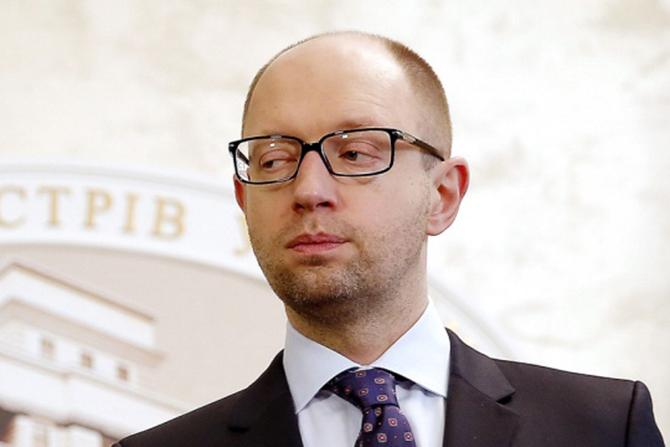 Автор заявлений о виллах Яценюка извинился перед экс-премьером