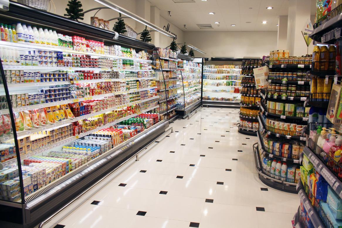 В львовском супермаркете устроили прилавок для нуждающихся