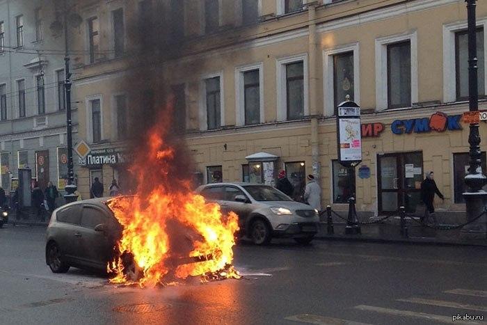 Срочно! Депутату от Оппоблока подожгли машину