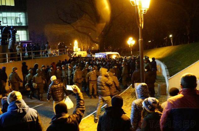 Не футбол, а сплошные драки: дикие болельщики устроили массовый погром в Одессе (ФОТО, ВИДЕО). Есть пострадавшие