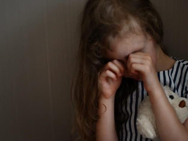 В Кривом Роге девочка вызвала полицию, чтобы спастись от горе-матери
