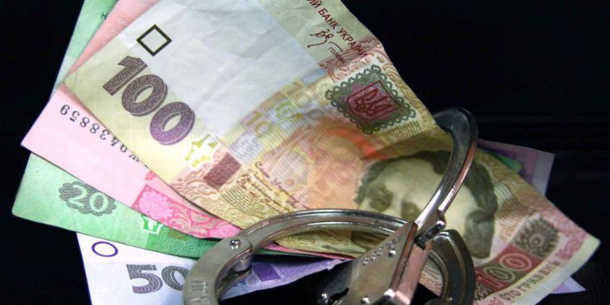 В Киеве патрульный попался на взятке в 12,5 тыс. грн