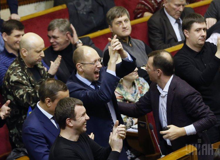 «Дорогой Николай, принеси мне…»: сеть рассмешили письма украинских политиков к Святого Николая