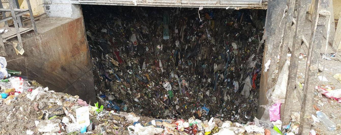 Украина утопает в мусоре, местная власть саботирует работу – Семерак