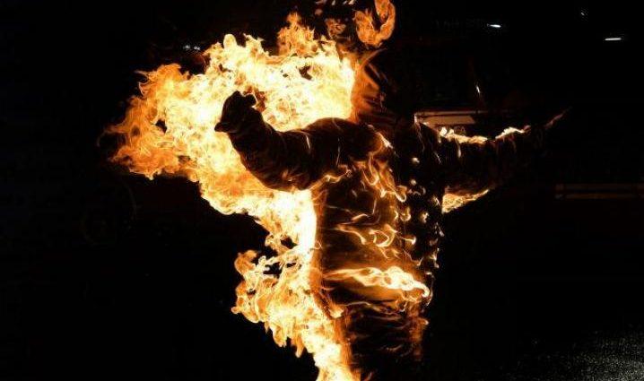 Превратили в факел: трое школьников облили бензином и подожгли своего друга (ВИДЕО) Людям со слабыми нервами не смотреть!