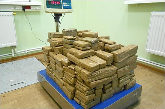 Начальник Черниговской таможни переквалифицировался с контрабанды янтаря на контрабанду наркотиков