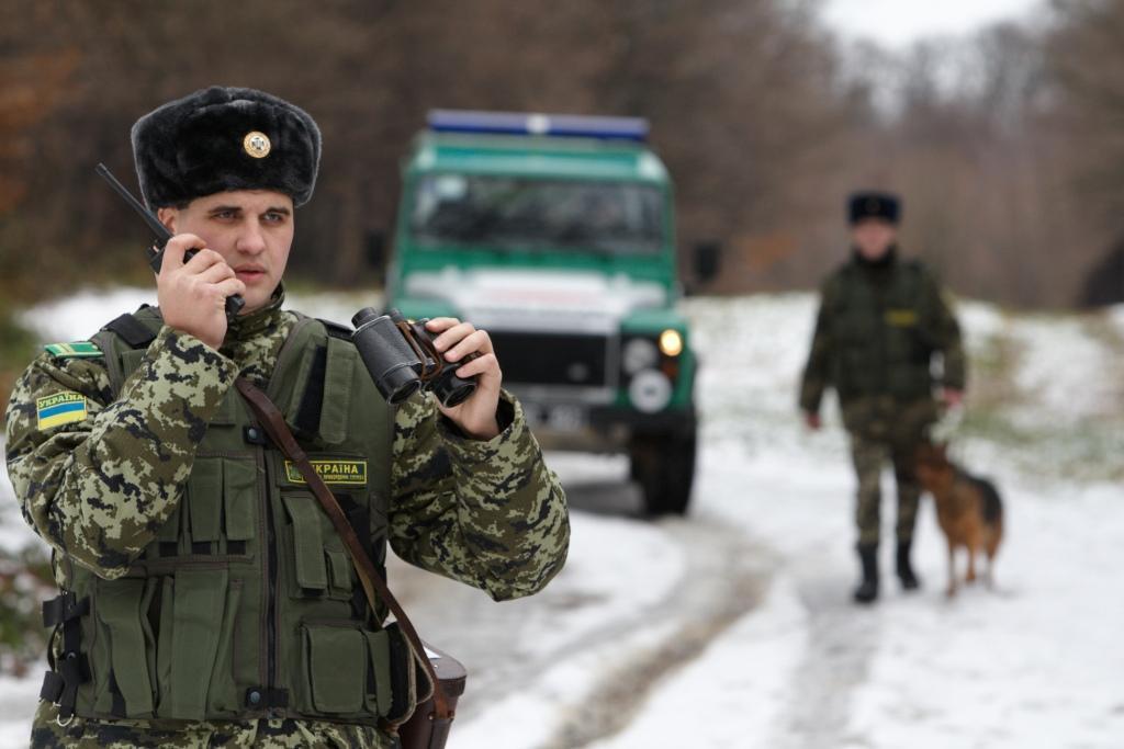 Пограничники задержали два авто, которые искал Интерпол