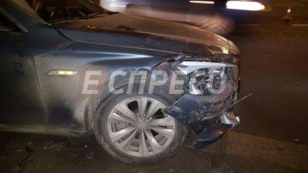 Масштабное ДТП: девушка на BMW сбила пешехода и протаранила три авто