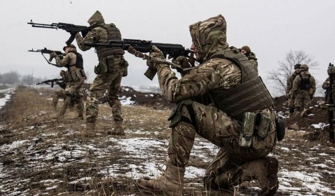 Парубий рассказал еврочиновнику о боевиках
