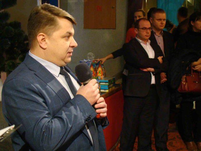 Новогодний бум на пьяных чиновников: активисты поймали на горячем председателя Тернопольского облсовета