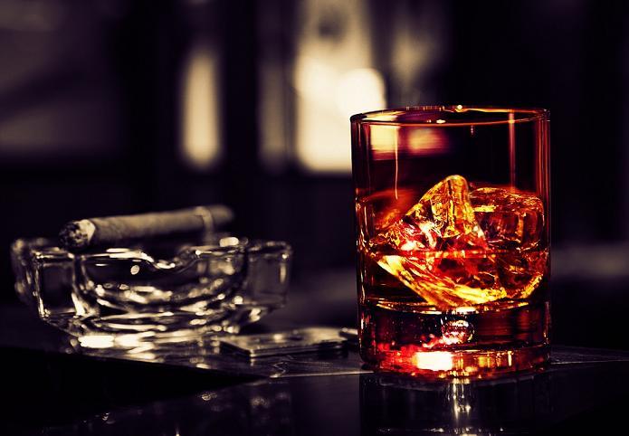 Будем платить значительно больше: сигареты и алкоголь сильно подорожают