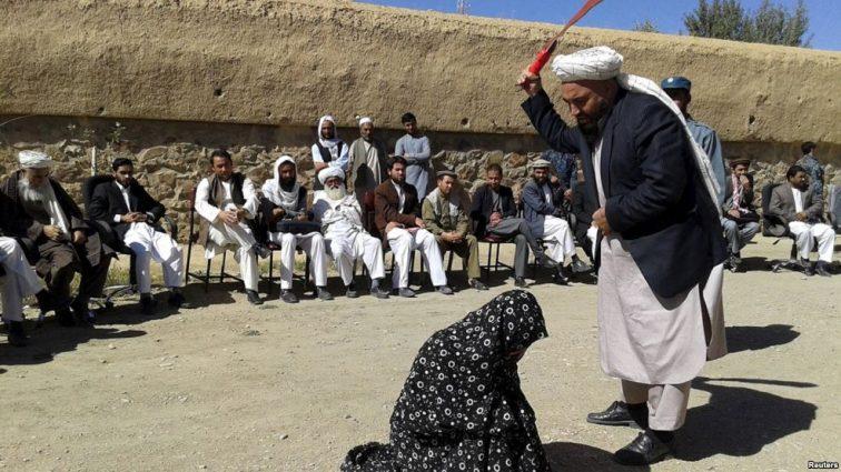 В Афганистане казнили женщину, которая отправилась за покупками без мужа