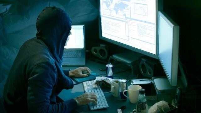 СМИ: В 2016 хакеры похитили со счетов росбанков 2 млрд рублей