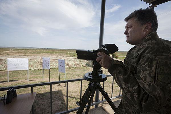 Конфискованную военную технику и оружие будут передавать силовикам