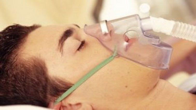За отказ в госпитализации отравлены газом подростки умерли