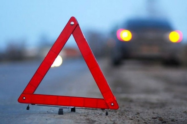 Жуткое ДТП во Львове: Легковушка сбила женщину на переходе возле больницы