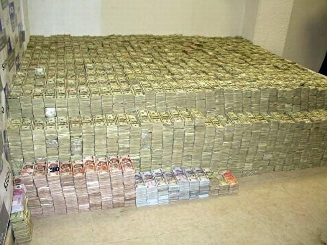 Зарплата, словно в сказке: обнародовали официальный доход одного из самых работящих депутатов