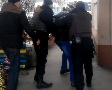 В Херсоне полиция задержала поджигателей квартиры городского головы