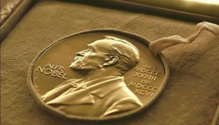 Российские спецслужбы помешали вручению премии Порошенко