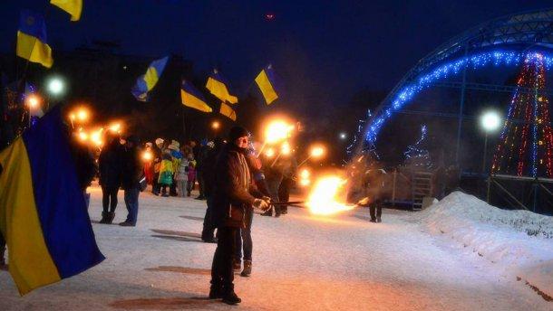 Во время факельного шествия в честь Героев Крут прогремел взрыв(ВИДЕО)