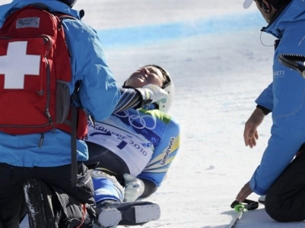 После такого живыми остаются единицы: горнолыжницы попали в больницу после жуткого падения (ВИДЕО)