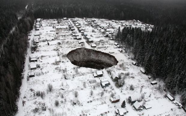 Ужасная трагедия во Львове: случился обвал в шахте: человек пострадал