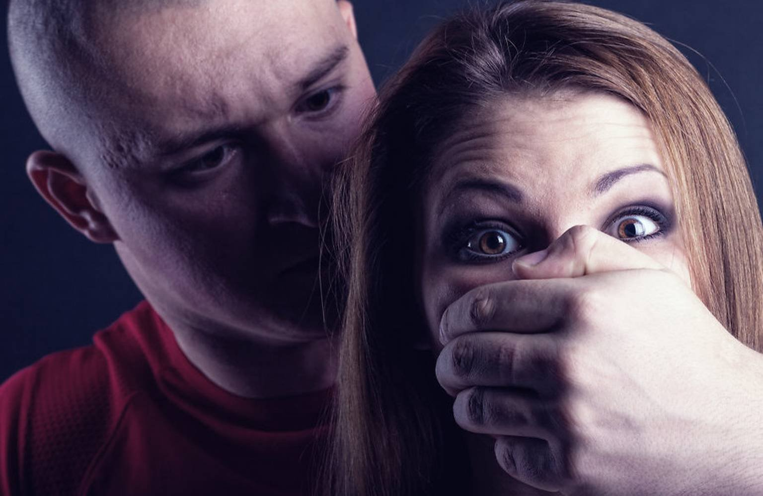 Настоящие нелюди: на Киевщине таксист с другом изнасиловали пассажирку