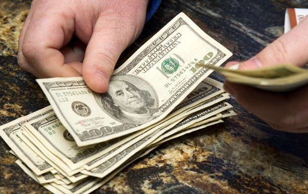 Наличный доллар на «черном» рынке торгуется по 28,8