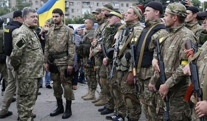 Сколько будут зарабатывать призванные в армию «пиджаки»