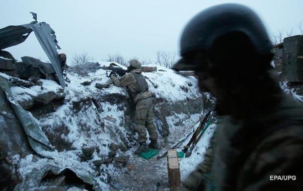 За последние сутки в АТО: 61 обстрел, боевики били из тяжелых минометов