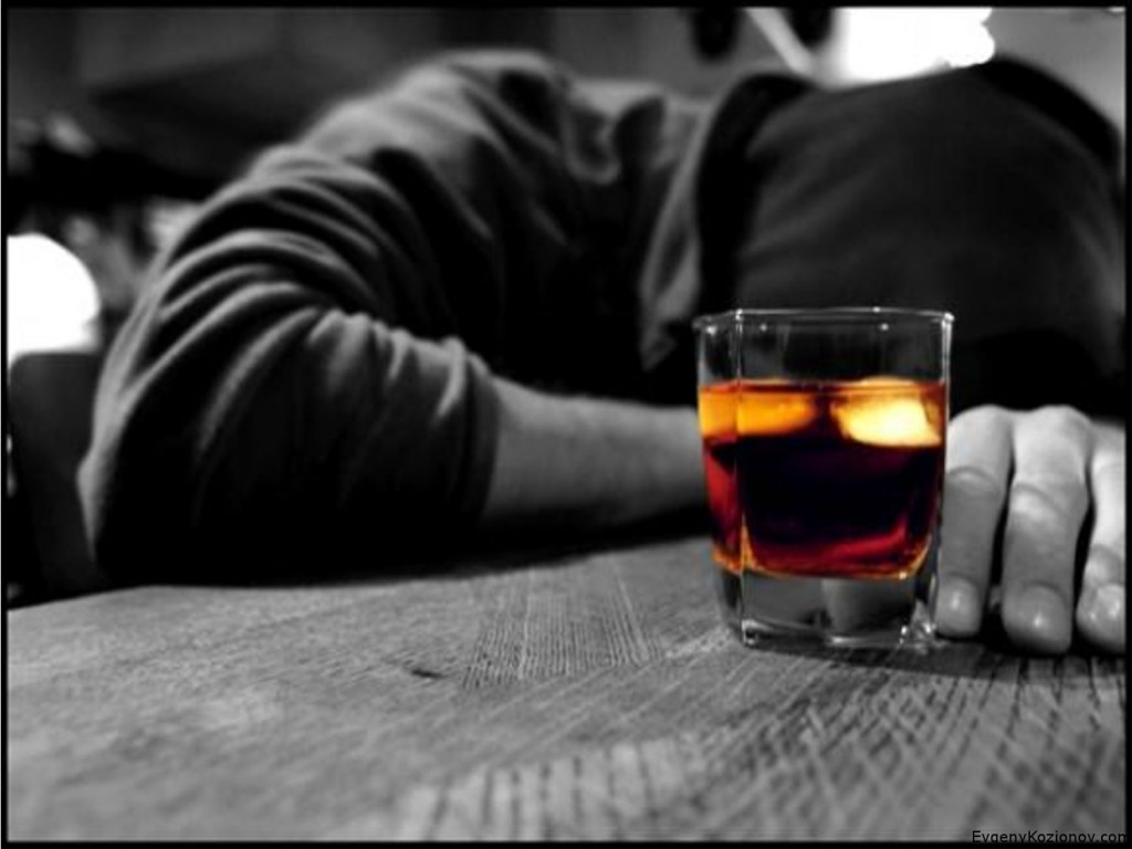 У 36-летней жительницы Лисичанска почти получилось зарезать оппонентку во время пьянки