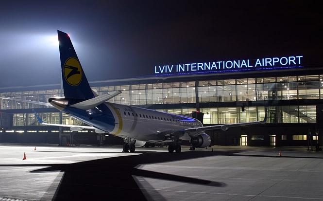 Эпопея со львовским мусором продолжается: аэропорт «Львов» требует от Садового отменить постановление. Причина вас удивит