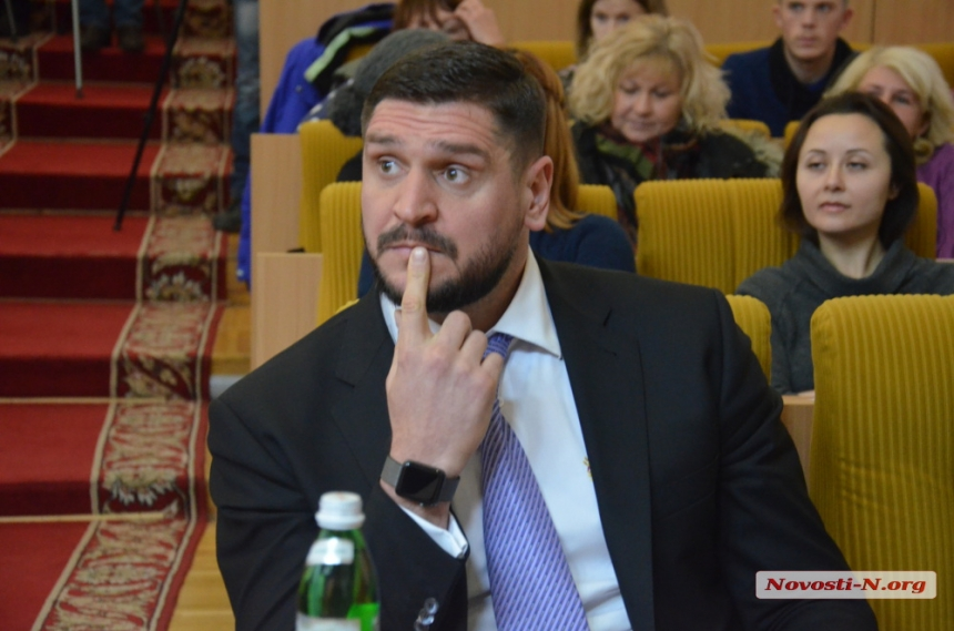 Никуда он не денется: николаевского губернатора Савченко, который недавно вляпался в скандал, оставили на посту