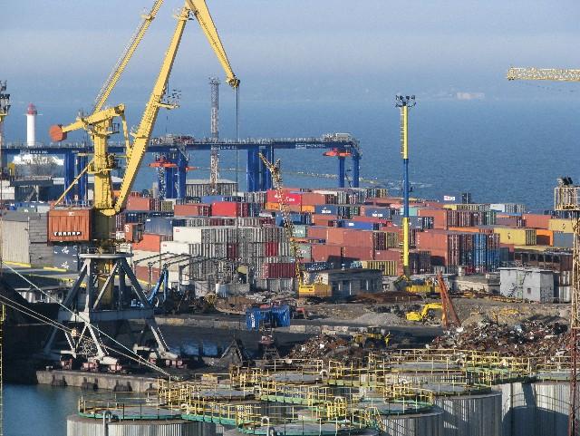 Таможенники обнаружили контрабандное топливо на судне в одесском порту