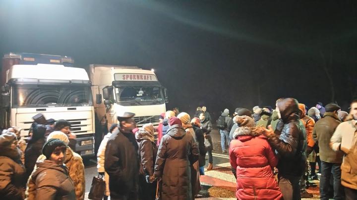 Львов протестует: жители Рясного вышли на акцию против «мусорного решения»
