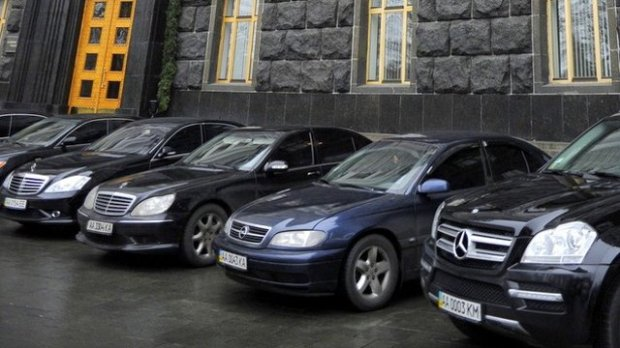 Машины будущего для депутатов: что на самом деле скрывается за решением чиновников пересесть на электрокары