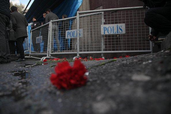 Стамбул приходит в себя от ночного теракта: шокирующие фото, от которых у вас будут мурашки по коже (ФОТО)