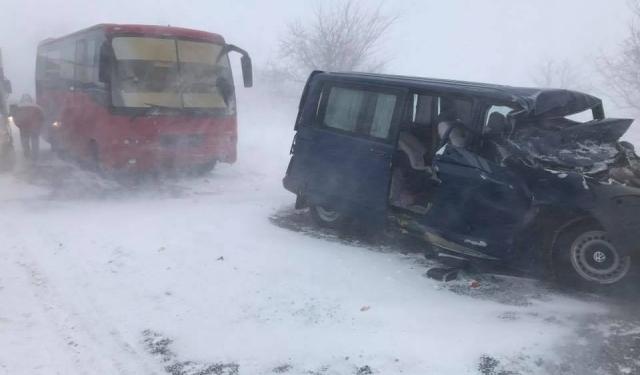 Ужасная трагедия: автобус переполнен пассажирами попал в кровавое ДТП