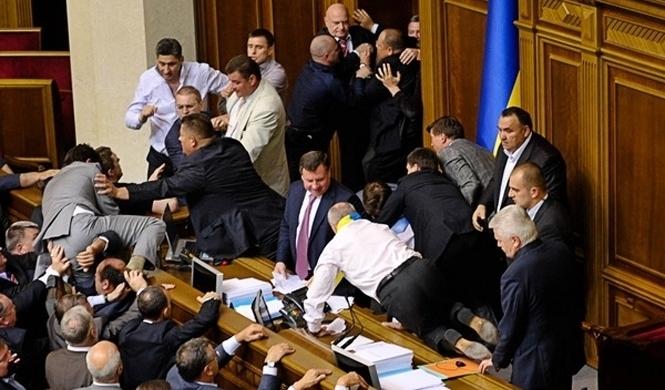 Депутаты обойдутся украинцам в кругленькую сумму