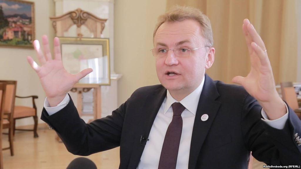 «Позор Садовому»: как одиозному мэру Львова сильно досталось от жителей Великих Грибовичей (ФОТО)
